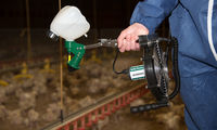 UlvaVac spray applicator for poultry vaccination