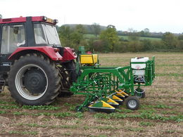 Micron to unveil the new three section band sprayer at LAMMA 2012 - Varidome S1
